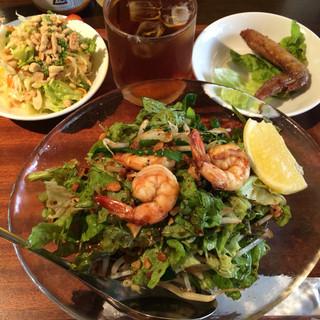 ベトナム家庭料理 QUAN AN TAM 自由が丘店 - タピオカ麺の混ぜそば