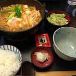 お多福 - 牡蠣チゲ鍋うどんセット