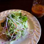 トゥリー - 地元新鮮野菜♪ 中にポテトサラダが入っています