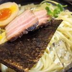 かみあり製麺 - 2016年2月 大量の麺と具材たち