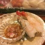 都寿司 - 海老の握り 肝付