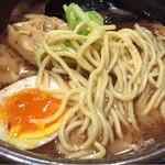 麺処 田ぶし - 中太平打ち麺