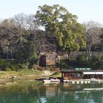 城見茶屋 - 月見橋から旭川の向こう岸に城見茶屋が見えました
