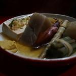 江戸中 - 豆腐とヤリイカがオススメです。