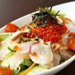 魚蔵 ねむろ - 新鮮海鮮サラダ