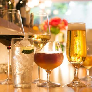 世界各地のワインをソムリエが厳選しています【全80種類】