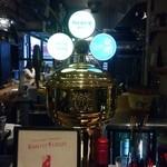 サントフエゴ - 生ビールはプレミアムモルツ。あとは白州と何かやはりサントリーのウイスキーがサーバーにはあるようでした。
