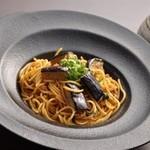 イタリアンダイニング 花の庵 - 料理写真:鶏そぼろとナスと大葉の三河風パスタ