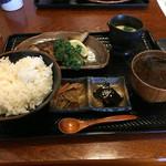 まる貝 - 焼き魚定食(鯖)  780円