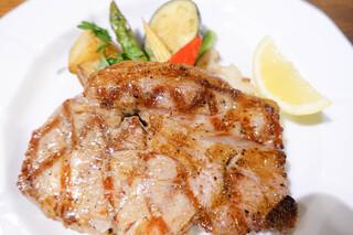 ラ ブォナ ヴィータ - 群馬県優味豚のグリル野菜もグリル♪