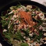 全席個室居酒屋 青の洞窟物語 - 新鮮野菜と玉子のコブサラダとのことだが、どう見てもシーザーサラダ