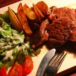 熟成肉の肩ロースカットステーキ