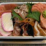 鮪屋 - 鮪屋 具沢山の海鮮丼!どれも新鮮で美味しー。