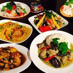 サワディ兄弟 - 豊富なタイ料理が満載