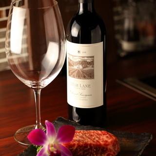 お肉と相性の良いワインやシャンパンを多数ご用意