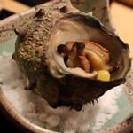 鮨処 銀座福助 - サザエのつぼ焼き 1000円