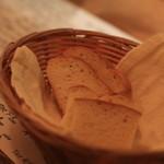 リガット - 自家製のパン、だそうです。