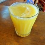 ピザシティーズ - ランチに付くオレンジジュース