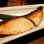 4番サード魚真 -