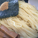 我流麺舞 飛燕 - 麺アップ
