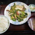 だるま食堂 - ゴーヤチャンプル(定食とか書いてなくても定食ですよん)