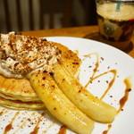 ホノルルコーヒー - バナナクリームパンケーキ (¥1,000)、コナブレンドコーヒー S(¥320)
