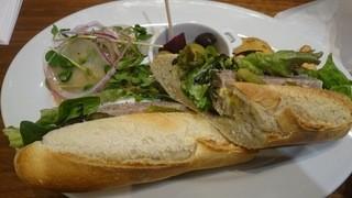 ルイ・ドゥ・レトワール - サンドイッチ