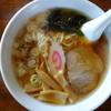 山茶花 - 料理写真:ラーメン(\550税込み)結構充実しています、スープも多い