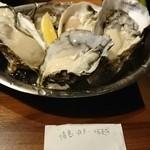 オイスターバー トトベネ - 生牡蠣!