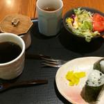 白壁カフェ花ごよみ - モーニングセット(おにぎり)