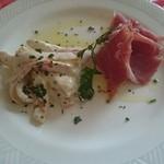 パスタ・カルタ・パコ - 料理写真:前菜は・・・