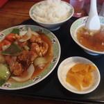 川平飯店 - 酢豚定食800円