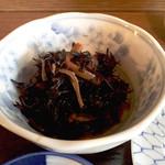 田舎料理 やまがた - 木鉢はひじき