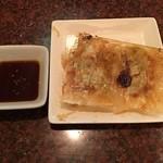 中華麺食堂 亀吉 - 自家製餃子 ハーフ 150円(税込)