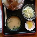 西端夢浪漫 - サラダと味噌汁付きです!