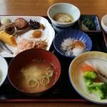霧島国際ホテル - 料理写真:朝食バイキング