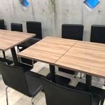 カフェ&ダイニング ハレルアナ - テーブル席