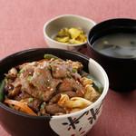 松尾ジンギスカン - うま辛ジン丼 ¥980