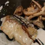 カンティーナ オット - 白身魚のソテー 付け合せの茸とあうんだな~これが♪