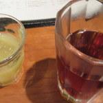 草草 - ごぼうとパイナップルのジュースとお茶