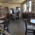 カフェ・マレット - ゆったり店内