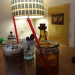 cafe EZE - ストロベリーショコララテ、オレンジペコ