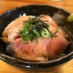 中村商店 - レアチャーシュー丼