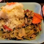 Soul Food Bangkok - タイ米 美味し!おかずと混ぜ混ぜ