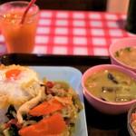Soul Food Bangkok - 14時過ぎに行ったら、ドリンク無料サービスでした
