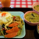 Soul Food Bangkok - グリーンカレー&日替わりおかず 1,000円=16年2月
