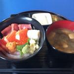 47824942 - ■海鮮丼1000円  ウマウマ  オススメ^ ^
