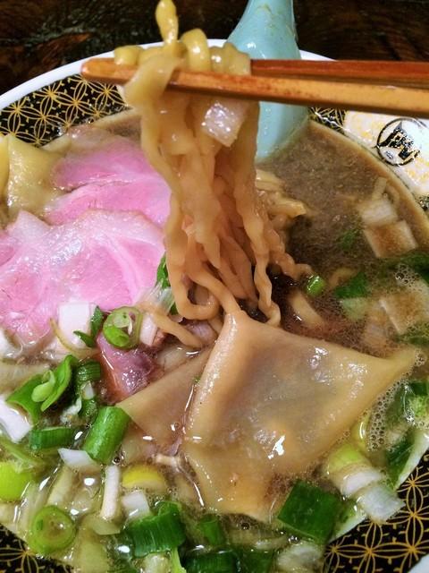 すごい煮干ラーメン凪 五反田西口店 - 麺リフト