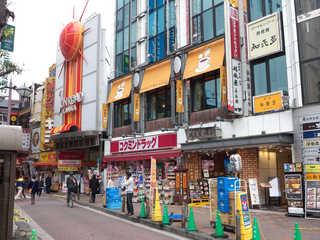 和蘭豆 蒲田駅前店 - JR蒲田駅西口、ビル2Fにある喫茶「銀座和蘭豆」。これで「ランズ」と読みます