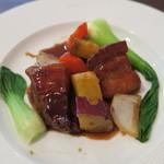 PATIO - 黒酢の酢豚。揚げていない酢豚は初めて。